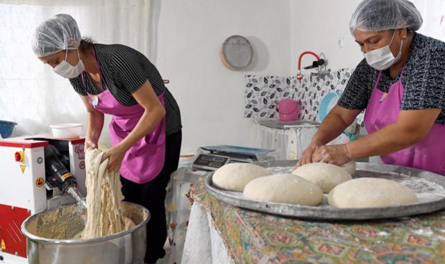 Kadınların ürettiği yöresel ekmekler satışa sunuldu