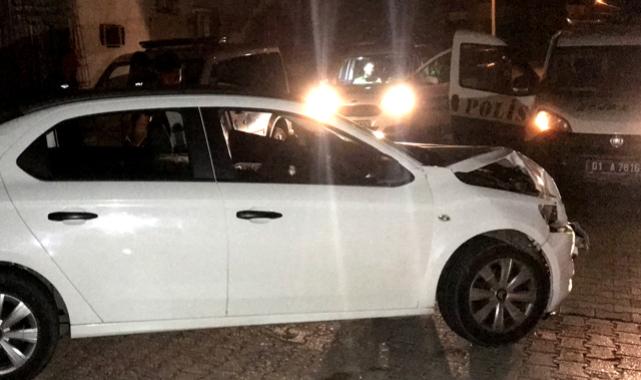 Şüpheliler, araçları kaza yapınca yaya olarak kaçtı.