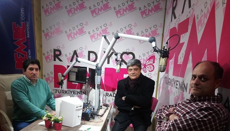 Çukurova'da Gündem programı Radyo Pembe'de başladı