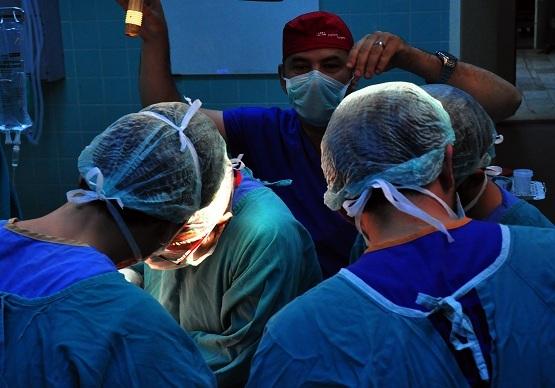 Cerrahlar Balcalı Hastanesi'nde buluşuyor
